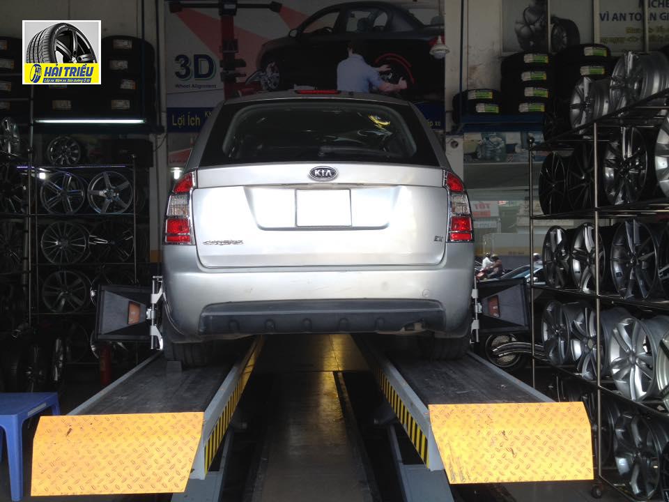 Tại sao phải chỉnh thước lái (độ chụm bánh xe)?